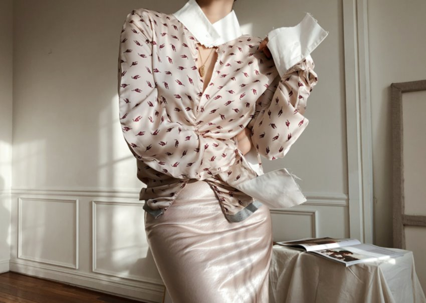 Lucing satin blouse