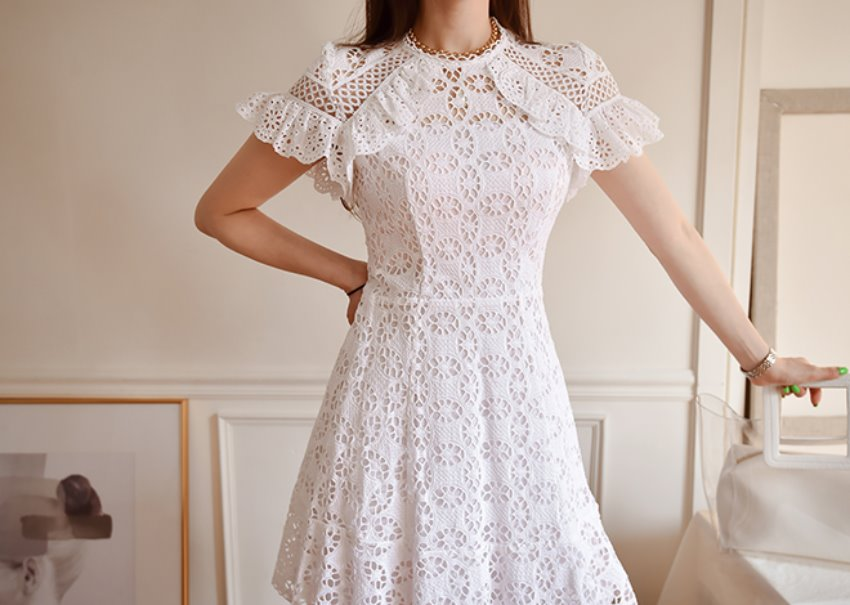 Veneto lace dress