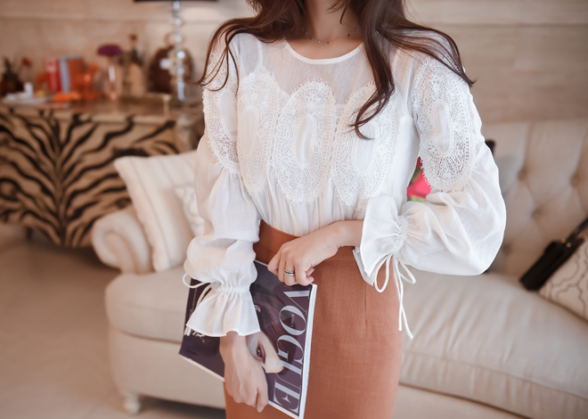 Trumpet lace blouse