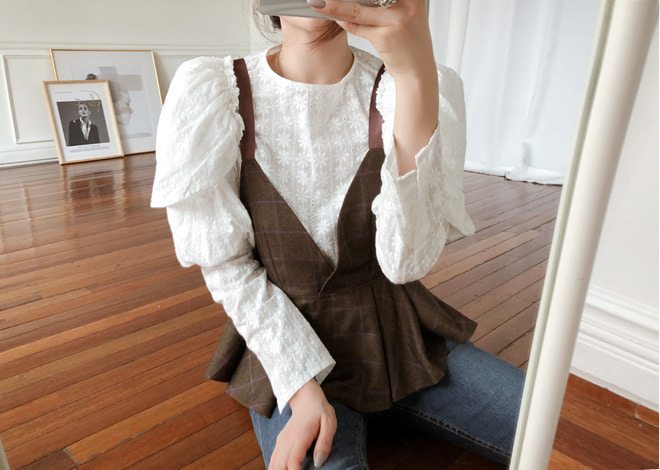 Lily puff blouse**