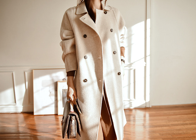 Naive wool coat