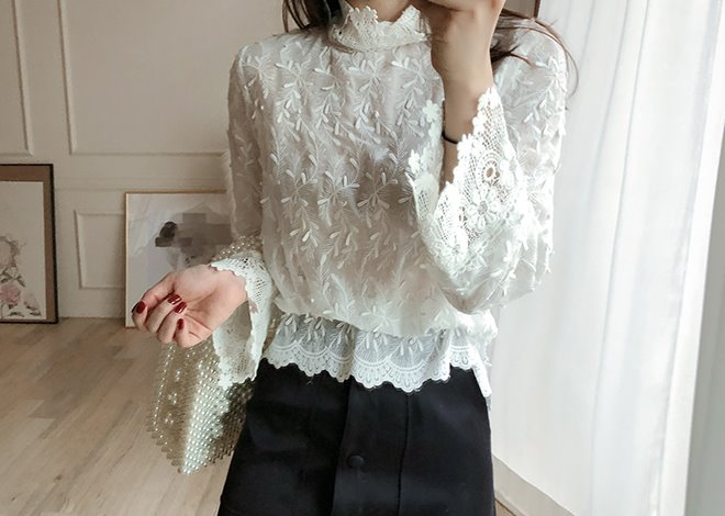 Pine lace blouse