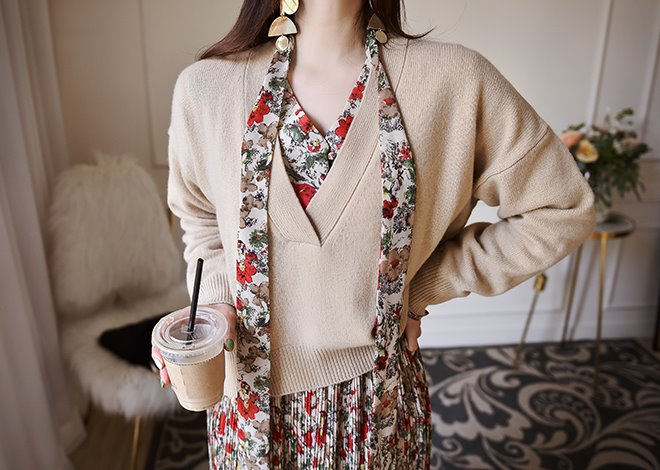 Latte V-neck knit