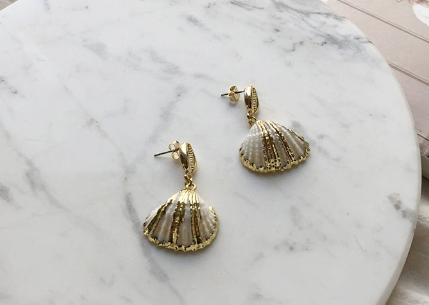 Golden shell Earrings