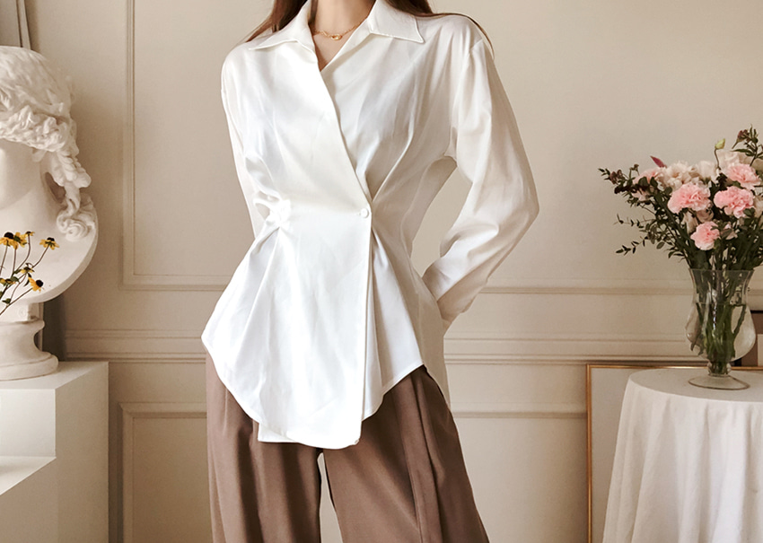Blanc satin blouse