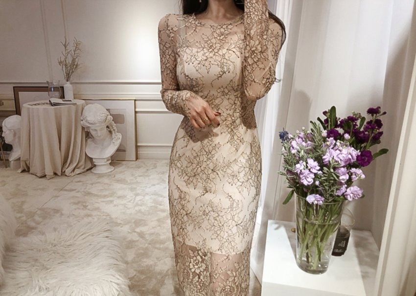 Vera lace dress