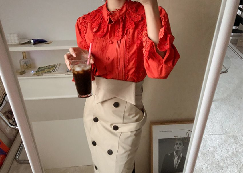 Scarlet blouse *[red]