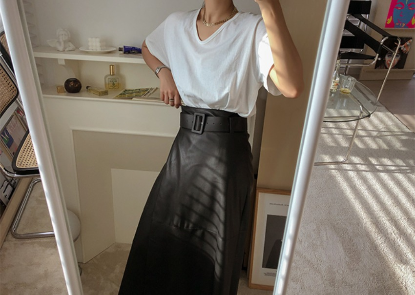Vogue leather skirt
